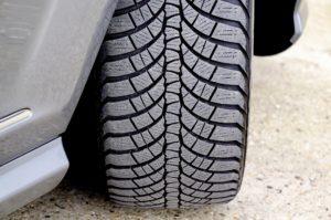 Sucha jezdnia a zimowe opony w samochodzie wulkanizacja gdynia fastgum